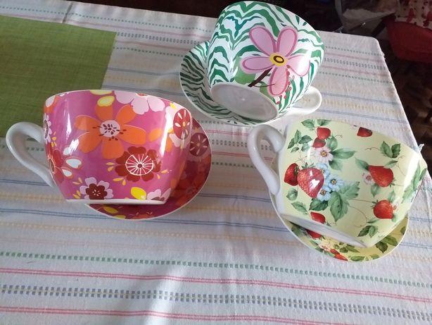 Porcelanowe donice z talerzami