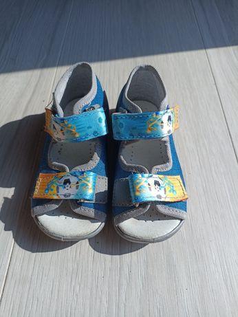 Sandały rozmiar 22
