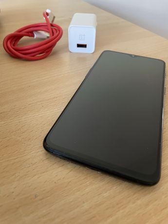 Telemovel usado- OnePlus 6T desbloqueado+ carregador original