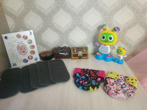 Многоразовые памперсы ( подгузники), комплект 2 памперса и 5 вкладышей