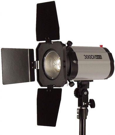 Импульсная студийная вспышка FotoFOX 300Дж
