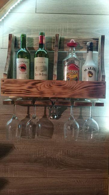 Półka na wino i inne alkohole. Idealna na parapetówkę. Prezent