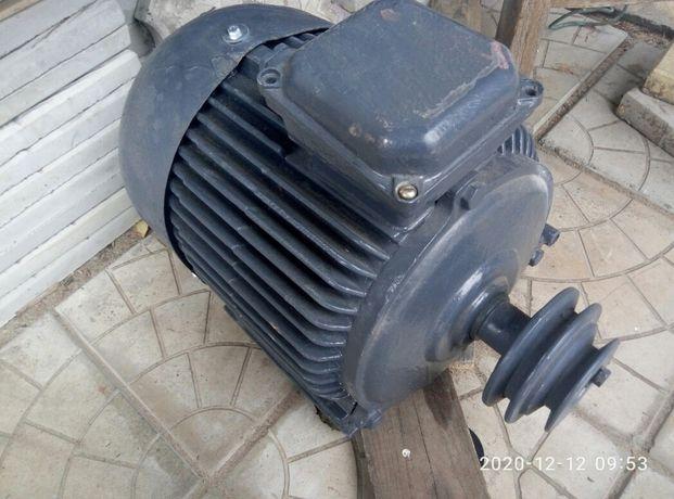 Электродвигатель 7.5 квт. 1400 об .