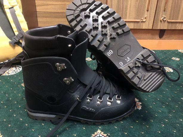 Горные, альпинистские пластиковые ботинки Raichel