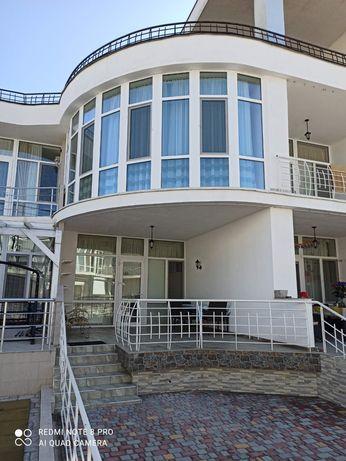 Шикарные апартаменты на берегу моря