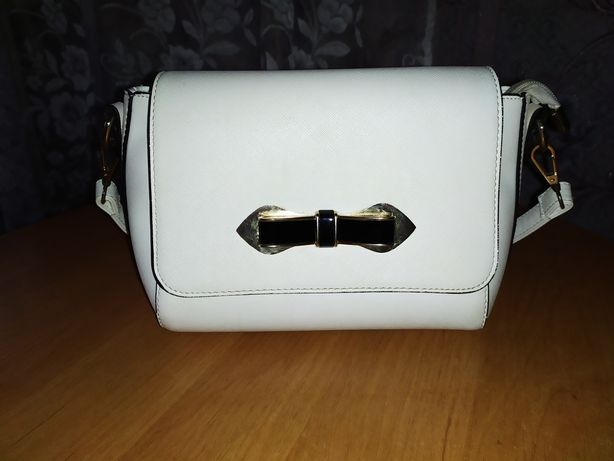 Небольшая сумочка