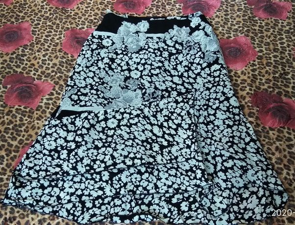 Нарядная юбка летняя  размер 50-52