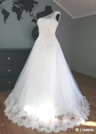 Piękna suknia ślubna KORONKA - rozm. 36/38 + bolerko + welon + koło !