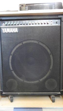 Amplificador Yamaha B110-115 II