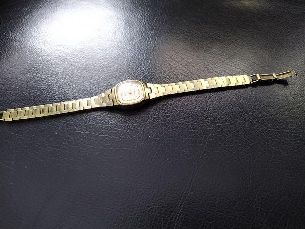 Pozłacany zegarek damski produkcji radzieckiej czajka 17 kamieni