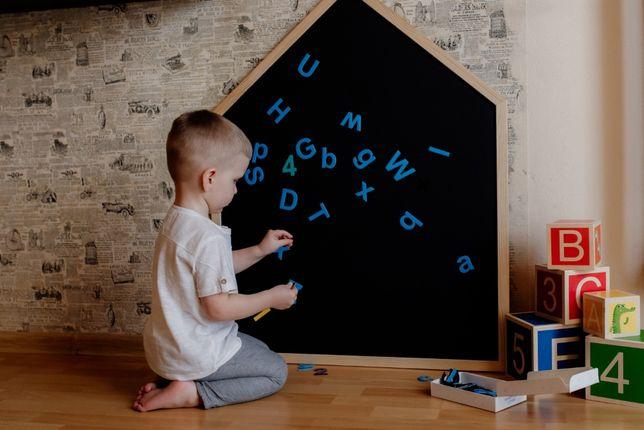 Drewniana Tablica kredowa magnetyczna domek dla dzieci +KREDA
