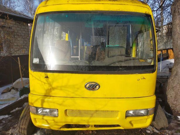 Продам автобус LIFAN LF 6592, кількість сидячих місць 18. 2005 року ви