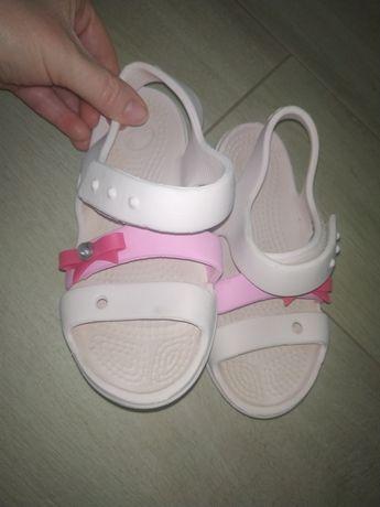 Продам кроксы сандали