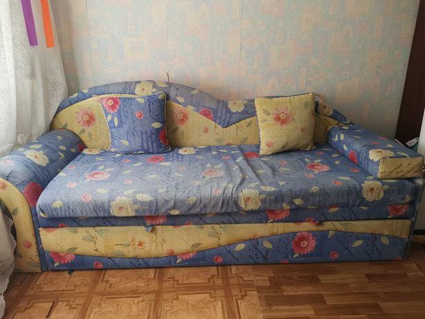 Диван Б/У Харьков 2000грн. Самовывоз.
