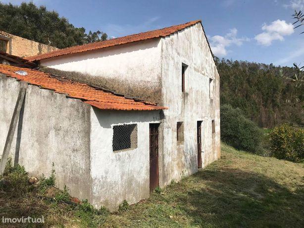 Vende-se Casa de Habitação c/ terreno - Ref. CH2076/18