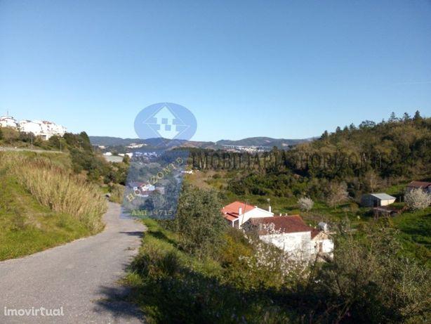 Quinta com 35.000 m2 e 4 moradias. Coimbra