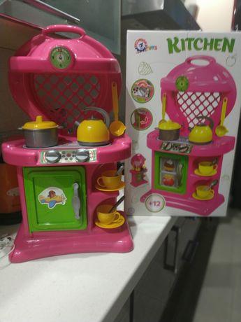 Детская кухня с коробкой +овощи