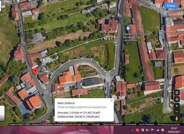 Terreno no centro urbano a 300 metros da N109