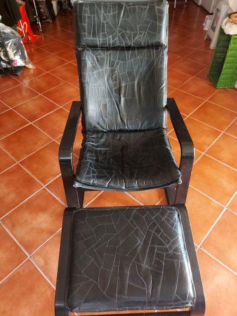 Vendo cadeira + apoio pés