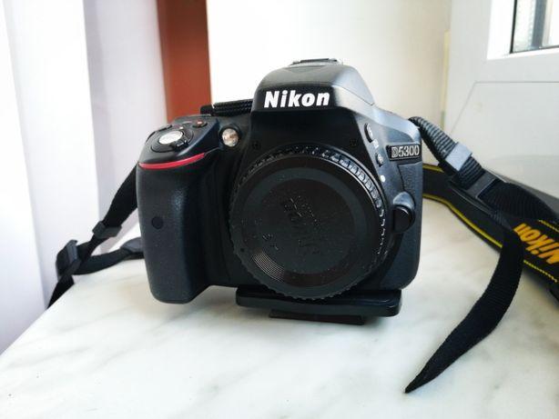 SPRZEDAM Aparat NIKON D5300 + OBIEKTYW AF-S DX NIKKOR 18-105mm f/3.5-5