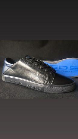 Туфли из натуральной кожи. Кожаные кеды