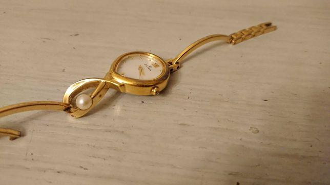Женские часы Clyda
