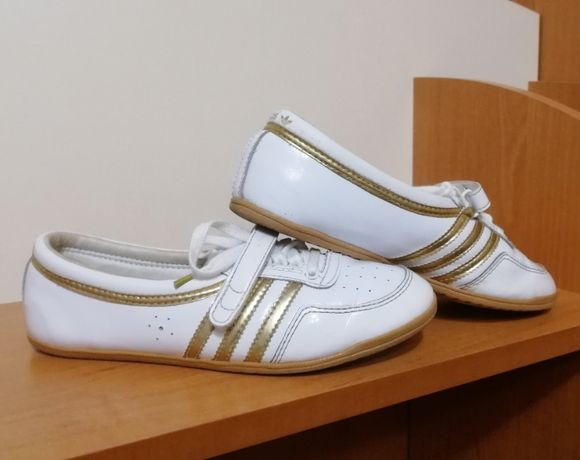 """Кроссовки """"Adidas """", 36 р., стелька 22,5 см"""