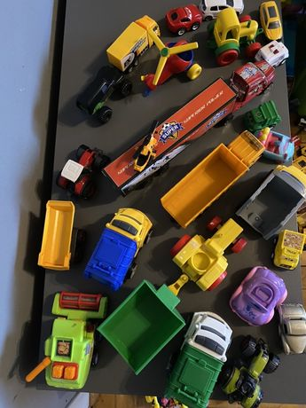 Zestaw aut i traktorow