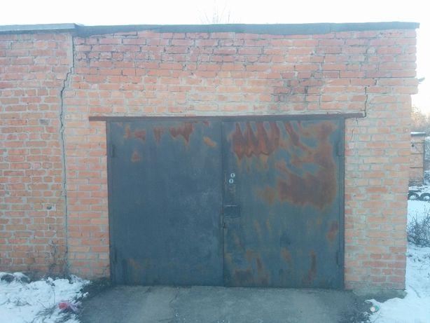 Продам гараж, Лубни, центр.