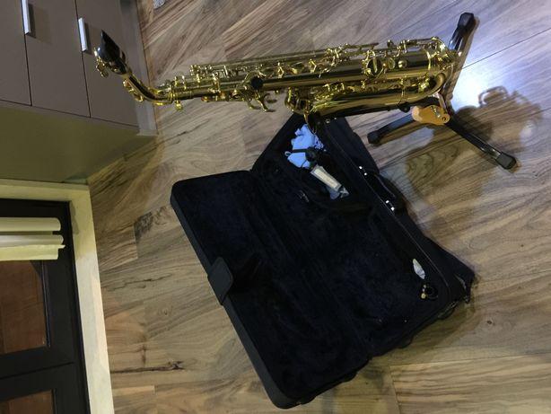 Saxofone Alto J. Michael AL780