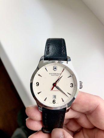 Мужские часы Victorinox Swiss Army