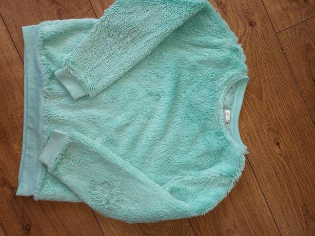 Zestaw sweterków r. 134