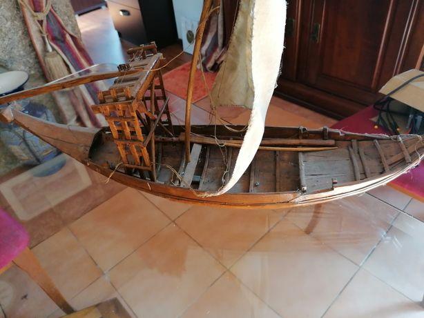 Barco Rabelo miniatura