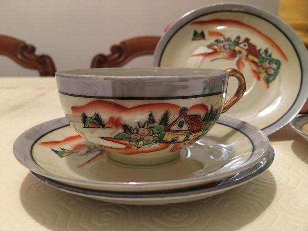 2 chávenas de CHÁ e 4 pires antigos de cerâmica fina