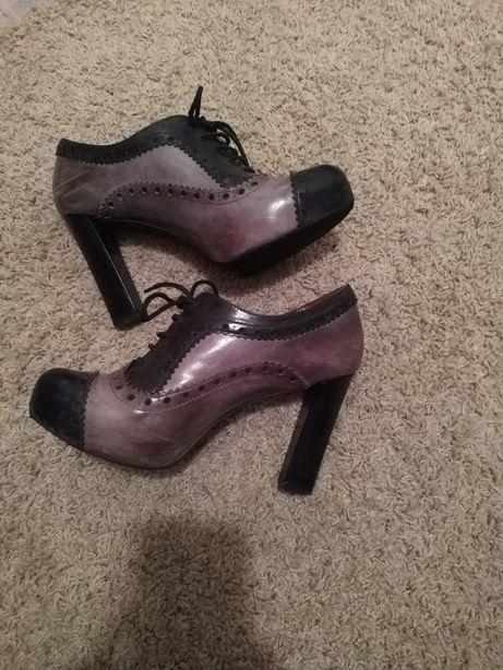 Botins, Botas em Pele Tosca Blue Shoes n.40 Estilo oxford
