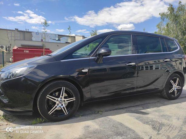Sprzedam zadbane auto - Opel Zafira C