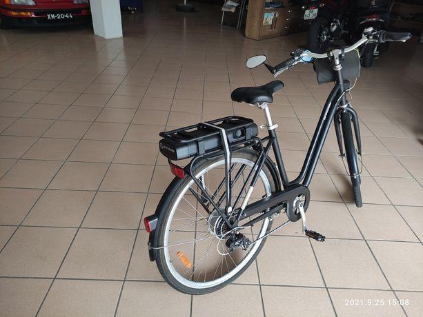 Bicicleta elétrica com Bateria Nova