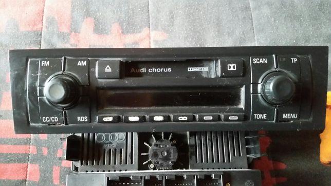 Radio  cassete audi 3 8p