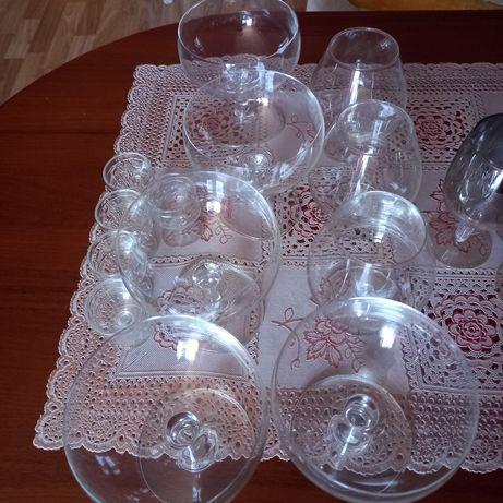 Kieliszki szklane oddam