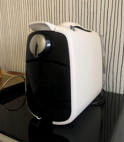 Máquina de Café Delta