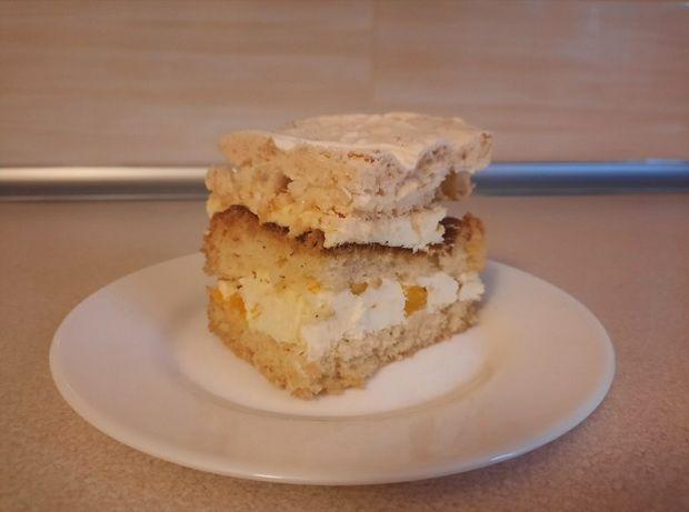 Ciasto brzoskwiniowe z bezą