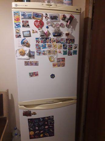 Холодильник LG б.у.