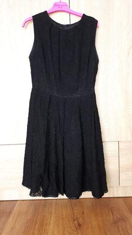 Sprzedam sukienkę rozmiar 40.
