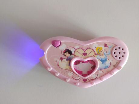Музыкальная игрушка с принцессами Дисней.