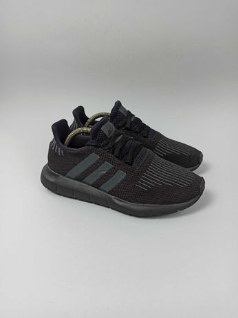 Кроссовки Adidas Swift Run Размер 38,5 (24,5 см.)