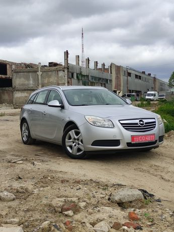 Opel Insignia 2010 рік