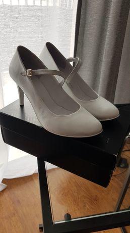 Buty ślubne La Marka.