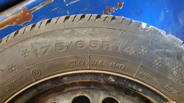 Opony zimowe Dunlop 175/65 R14 bieżnik 7mm stan idealny