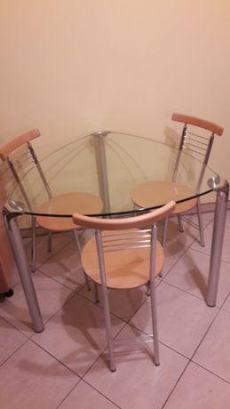 Trójkątny stół szklany /bez krzeseł/