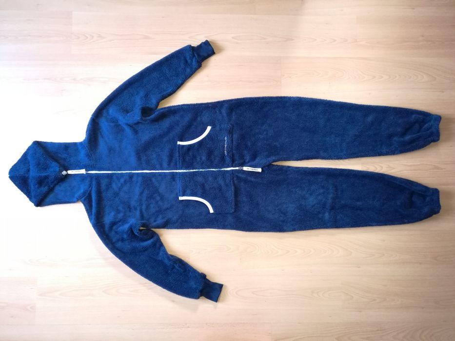 Kombinezon ON THE PEAK roz.M r.40/42 pajacyk polarowy , dres ,piżama Przyłęk - image 1